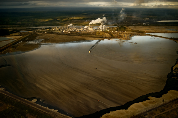 Jon Lowenstein | Canada | In the Oil Sands